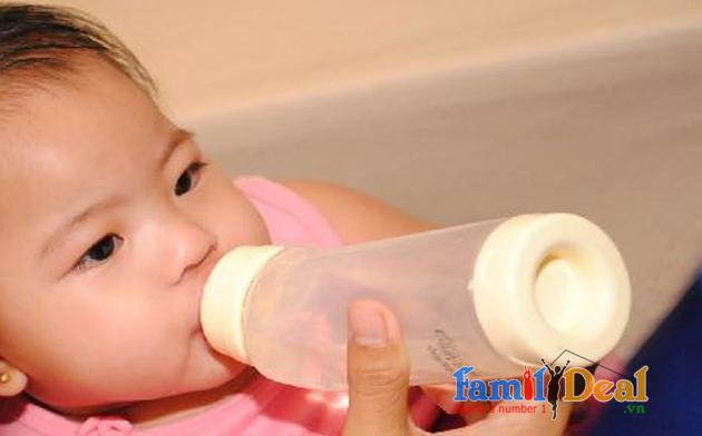 Bình sữa cổ rộng PLAYTEX 177ml