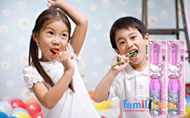 Bàn chải đánh răng trẻ em chạy pin Hello Kitty