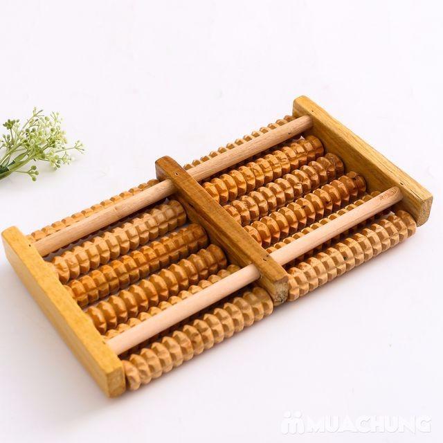 Dụng cụ massage chân 6 hàng - bằng gỗ